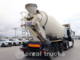 semi-trailer pengaduk beton BETAMIX