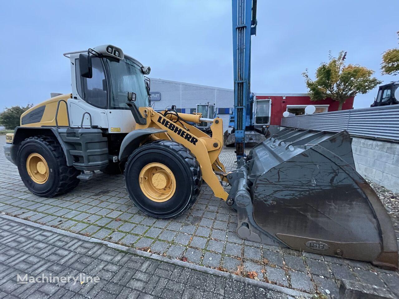 wheel loader VOLVO L538
