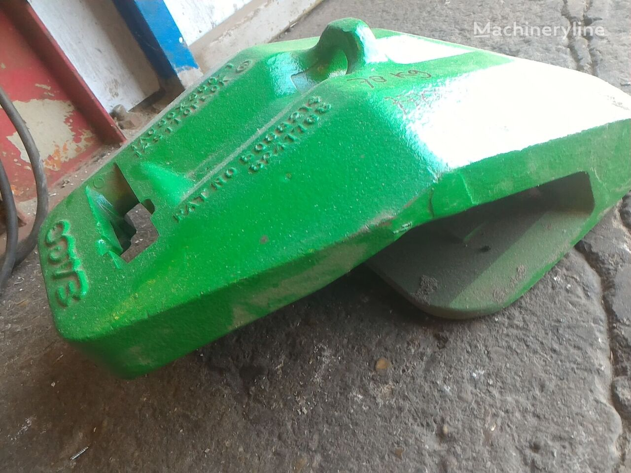 gerigi bucket Esco TAC90X360-1 (3698444) untuk excavator baru